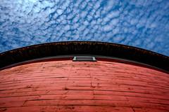 Round Barn (Nicholas Erwin) Tags: roundbarn barn building red architecture contrast colorful history historic shelburnemuseum museum fujifilmxt2 fujifilm xt2 fuji xf1855mmf284rlmois xf1855 fujifilm1855 shelburne vermont vt unitedstatesofamerica usa america fav10 fav25