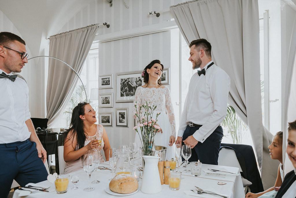 352 - ZAPAROWANA - Kameralny ślub z weselem w Bistro Warszawa