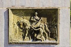 Lourdes 055-A (José María Gil Puchol) Tags: aquitaine basilique catholique cathédrale cheval chevalier eau eaumiraculeuse fidèle france gravure josémariagilpuchol lourdes paysbasque pélèrinage religion