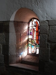 St. Margaret's Chapel, Edinburgh Castle (Beth M527) Tags: stainedglasswindows chapels housesofgod 2018 scotland edinburgh castles edinburghcastle historicscotland unesco worldheritagesites