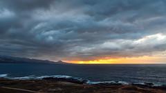 Sunset storm is coming (Gran Canaria) (ruben garrido lopez) Tags: viajes travel tormenta storm sunset atardecer mar sea nubes clouds nikon grancanaria puestadesol islascanarias nikond5100 laspalmasdegrancanaria lascoloradas