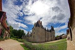 1368 Val de Loire en Août 2017 - Fougères-sur-Bièvre, le château (paspog) Tags: france valdeloire fougèressurbièvre château castle schloss 2017