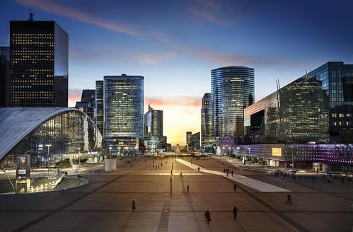 """Quartier La Défense Paris • <a style=""""font-size:0.8em;"""" href=""""http://www.flickr.com/photos/151084956@N05/40929064174/"""" target=""""_blank"""">View on Flickr</a>"""