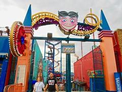 It's Summer ... (Shein Die) Tags: lunapark coneyisland nyc brooklyn ny newyorkcity summer amusementpark beach rides amusements