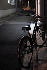 night lane@Jinbocho, Tokyo 8 (Amselchen) Tags: bicycle street city tokyo japan nightshot nightlight fujifilm fujinon xt2 fujifilmxt2 xf35mmf14r dof depthoffield