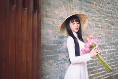 Beautiful vietnamese woman in white Ao Dai traditional dress of Vietnam, Ho Chi Minh city Vietnam (Patrick Foto ;)) Tags: aodai hochiminh adult asia asian attractive background beautiful beauty charming china chinese closeup cute dress face fashion female girl hair hat lady lifestyle lovely model oriental people person portrait pose pretty red style temple tourism traditional travel urban vietnam vietnamese white woman young hochiminhcity hồchíminh vn