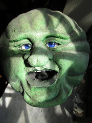 Green Cheese Man in the Moon 3882 (Brechtbug) Tags: green cheese man moon george melies type inspired by 1902 film le voyage dans la lune a trip scifi science fiction movie magic french early special effects space travel galaxy universe luna new york city 2018 night head paper mache