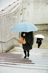 April_2018_Portra400_Street_040 (onmyeoin) Tags: japan umbrella tokyo roppongi street photography commute rain onmyeoin film filmphotography kodak portra potra400 filmphoto