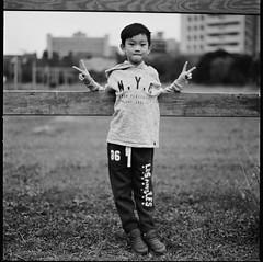 000913110002 (Steven Tsai (正港蔡爸)) Tags: hasselblad501c hasselblad planar128f80mm shanghaigp3100 expiredfilm bw mediumformat analog film filmphotography