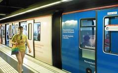 Pour une fois.... (patrick2211(ex Drozd1)) Tags: barcelone humour metro