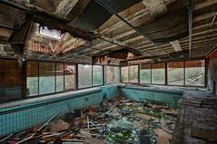 foam party (Knee Bee) Tags: villagrünpool pool indoorpool schwimingpool abandonedvilla decay urbex