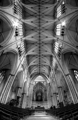 York Minster (Derwisz) Tags: yorkminster cathedral church sacralbuilding buildings architecture arch ceiling gothic englishgothic york yorkshire england unitedkingdom uk hdr highdynamicrange blackwhite blackandwhite bw monochrome canon canoneos40d