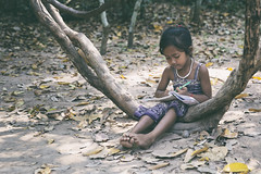 The student (liofoto) Tags: cambodge asie asia little girl étudiante student travel voyage angkor siem reap