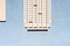 BACKyard-013 (Marco.Betti) Tags: courtyard backyard minimalist abstract white lightblue marcobetti mbe