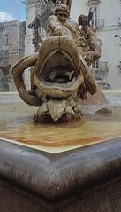 Fontana di Diana (Aellevì) Tags: pistriceimpennato isoladiortigia siracusa giuliomoschetti piazzaarchimede artemide