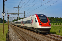 "SBB RABDe 500 013-1 ""Denis de Rougemont"" (Railway Photography Switzerland) Tags: landscape railway trains treno trainphotography railpictures trainspotting dailycrossing railphotography railwayphotography stefanwullschlegerburgdorf pinterest sbbcffffs bahnbilder bahnbilderschweiz bombardier eisenbahnfotografie icn icn500 rabde500 nikon eisenbahn schweiz switzerland"