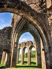 Llanthony arches (OutdoorMonkey) Tags: ruins ruin ruined arch building priory abbey llanthony llanthonypriory listed grade1listed cadw ewyas blackmountains breconbeacons nationalpark monmouthshire outside outdoor history historic augustinian wales welsh