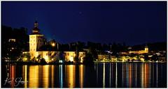 Gmunden mit Schloss Ort (Karl Glinsner) Tags: österreich austria salzkammergut oberösterreich upperaustria traunsee nightshot nachtaufnahme see gmunden lake