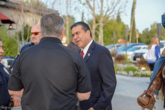 20180412-CJTipACop-LAPD-Devonshire-ThankYou-JDS_0323 (Special Olympics Southern California) Tags: athletes claimjumper devonshire giving lapd letr northridge restaurant socal specialolympics specialolympicssoutherncalifornia tipacop fundraiser