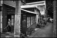 Naka-Meguro, Meguro-ku, Tōkyō-to (GioMagPhotographer) Tags: tōkyōto peoplesingle old nakameguro meguroku eastofthesun leicamonochrom streetscene japanproject japan buildingwide meguro tokyo tkyto