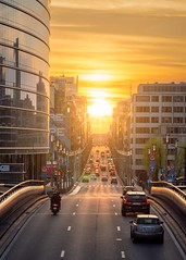 Il est où le soleil ? ;o) (Thierry Hudsyn) Tags: sony a6300 sigma60mm28 brussels bruxelles sunset goldenhour goldenlight ruedelaloi euquarter urban urbanlandscape architecture reflections reflets