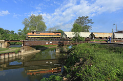 A perfect Morning (GLC 392) Tags: 4094 oh ohio central system railroad railway train muskingum river bridge zanesville supply center ge b237r super 7 ohcr gw maroon morning wood light locomotive sky reflection clouds people swing smoke perfect zvl owens illinois glass dad canal