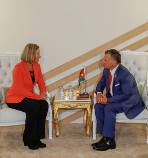 جلالة الملك عبدالله الثاني يلتقي الممثلة العليا للشؤون الخارجية والسياسة الأمنية في الاتحاد الأوروبي، فيديريكا موغيريني على هامش أعمال القمة العربية