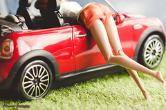 Car Ride + Butt! ♥ (Flávia_Duarte) Tags: fr integritytoys fashionroyalty nuface imogen imogenlennox fashion convention ginger doll dolls car barbie ken minicooper
