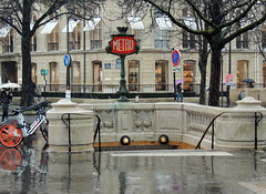 A rainy day in Paris (Shahrazad26) Tags: badweather slechtweer regen rain plui parijs paris metro frankrijk france frankreich