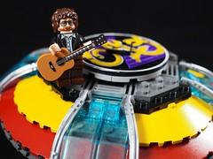 ELO Jeff Lynne atop (grobiebrix) Tags: lego afol moc legorockbandspaceships rockbandspaceships spaceships rockband 70s 70srock albumcovers 80s 80srock rockalbum elo electriclightorchestra jefflynne jefflynneselo