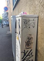 Muga (Oslo) (svennevenn) Tags: radios radio muga tegninger oslo gatekunst streetart drawings pasteups