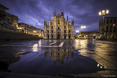 Sunrise At The Duomo Di Milano (serbosca) Tags: milano lombardia italia it duomo church sunrise
