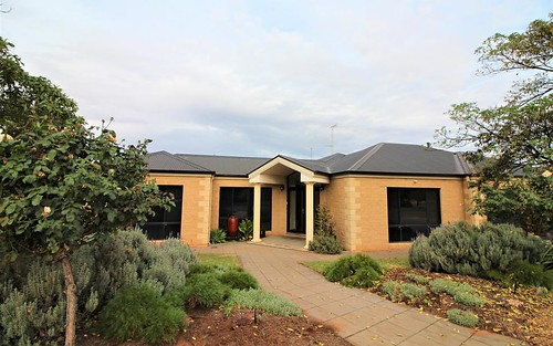 9 Ballestrin St, Griffith NSW 2680