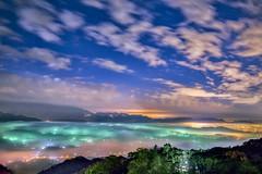 雲洞山莊 (張麗芬) Tags: taiwan 苗栗縣 雲洞山莊 雲海 琉璃光 夜晚 夜景 天空