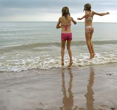 Jump! (Viacreativa) Tags: summer england beach jump jumping holidays wave explore dorset ready steady highcliffe 1on1photooftheday