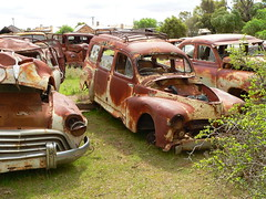 Australia - South Australia - Terowie - Rusty Old Cars - 03 (Michael Hansen's Hikes) Tags: cars michael australia vans junkyard hansen southaustralia oldcars rustyoldcars terowie michaelhansen hansenshikes