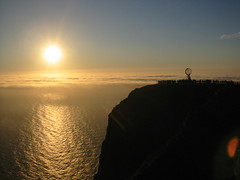 Midnight Sun (Claudio Vaccaro) Tags: sunset people sun norway clyde north comunicazione midnight cape copywriting nordkapp clydeye claudiovaccaro