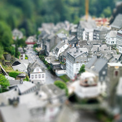 Monschau, Deutschland (clappstar) Tags: photoshop germany town monschau faketiltshift fakemodel tiltshift12