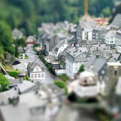 Monschau, Deutschland - by clappstar