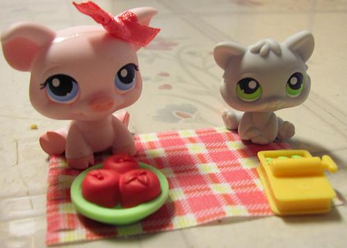Littlest Pet Shop Picnic by Robozippy.