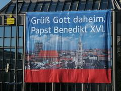 """""""Grüß Gott daheim Papst Benedikt XVI."""""""