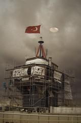 Space Race (Paulsydney) Tags: moon clouds turkey site construction joke flag trkiye istanbul turkish cotcmostinteresting i500 paulsydney moosaic
