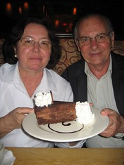 Godiva Cheesecake - Cheesecake Factory (Maira Wenzel) Tags: food usa dessert restaurant washington cheesecake bellevue cheesecakefactory godiva