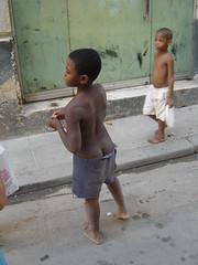 niños en las calles (ellamiranda) Tags: cuba niños lahabana