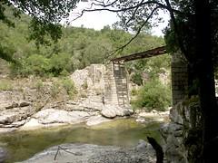 Le pont de Bicciani sur le Cruzini entre Rusazia et Lopigna