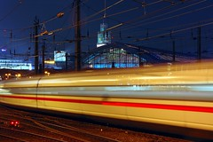 German flagship ICE Intercity Express (Hans van Reenen) Tags: longexposure ice train germany tren deutschland cologne zug kln fav20 railwaystation hauptbahnhof deutschebahn fav30 hdr trein keulen intercityexpress fav10 20060916