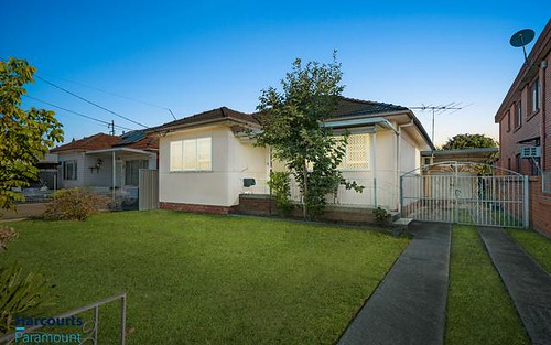 24 Torrens St, Canley Heights NSW 2166