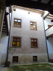 Casa Cultura patio Casa de Fray Diego de Estella calle de la Rúa Estella Navarra 01 (Rafael Gomez - http://micamara.es) Tags: casa cultura patio de fray diego estella calle la rúa navarra