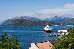nor_2011_231 (Prefektionist) Tags: aalesund alesund atlanticocean atlantik atlantischerozean d700 hurtigruten kongharald møreogromsdal nikon nordmeer noreg norge norway norwegen norwegiansea ålesund no