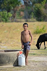 Rupununi #46 (*Amanda Richards) Tags: rupununi regionnine guyana 2018 well water fetchingwater wellwater boy
